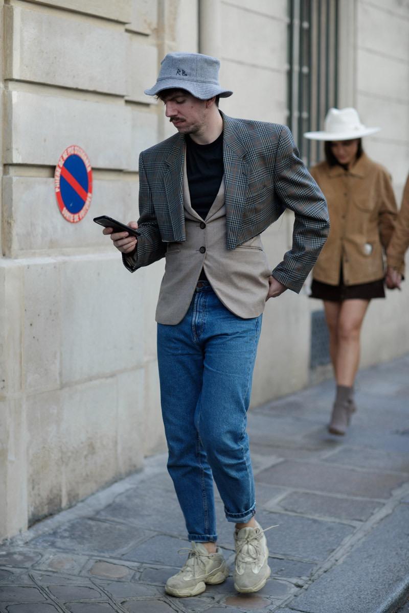 "Paris: <a href=""https://www.highsnobiety.com/""target=""_blank"">Highsnobiety</a>"