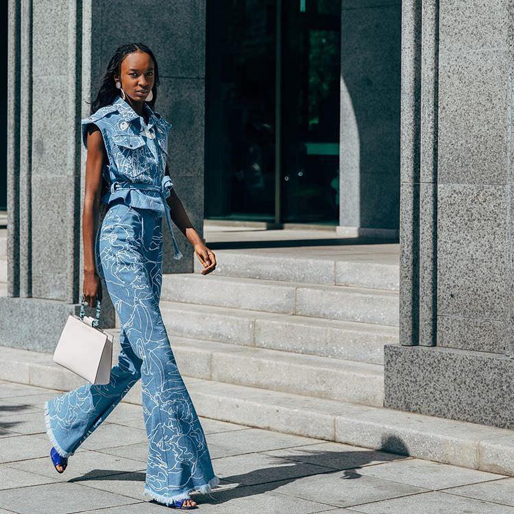 "Paris: <a href=""https://www.instagram.com/styledumonde/""target=""_blank"">Style Du Monde</a>"