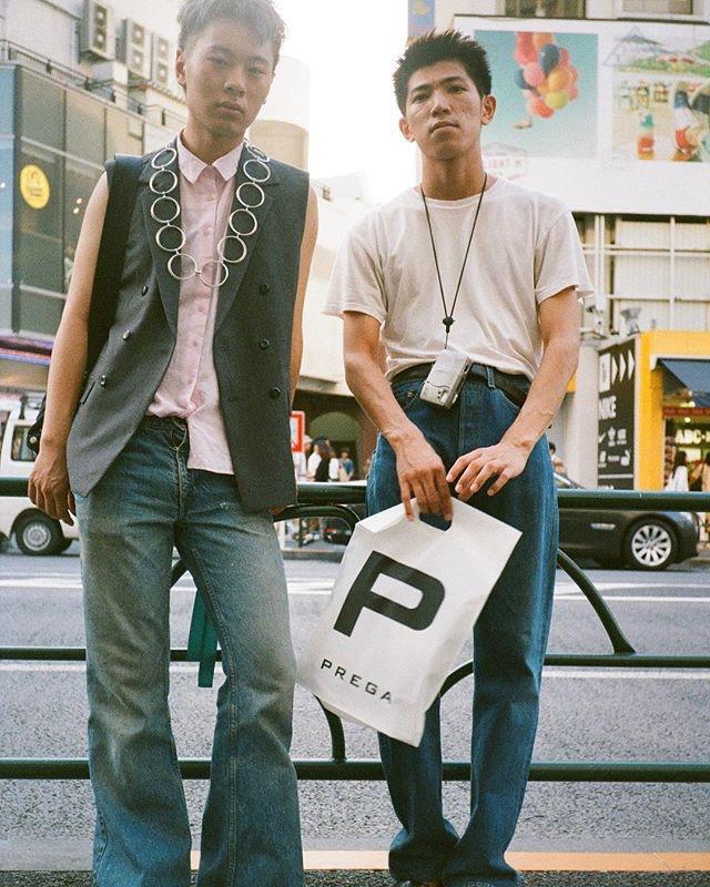 "Tokyo: <a href=""https://www.instagram.com/nue_streetsnap/ ""target=""_blank"">Nue Streetsnap</a>"