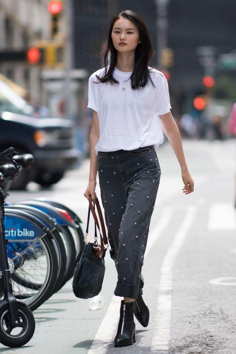 "New York: <a href=""http://www.crfashionbook.com""target=""_blank"">CR Fashion Book</a>"