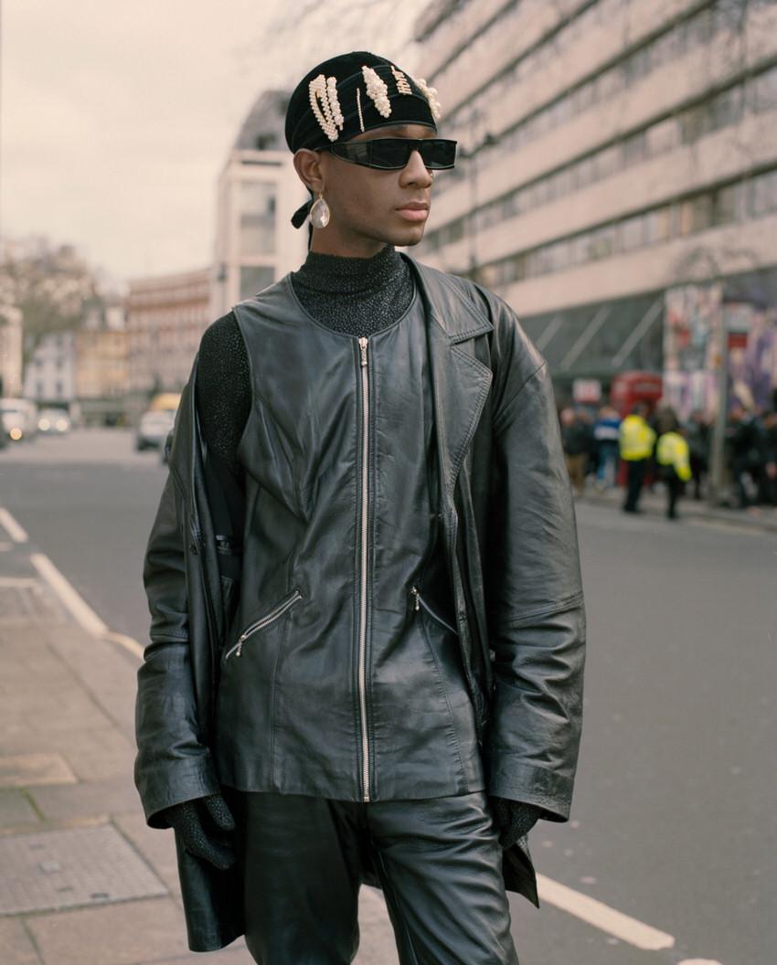 """International Street Style Fashion - London: <a href=""""https://www.wmagazine.com""""target=""""_blank"""">W Mag</a>"""