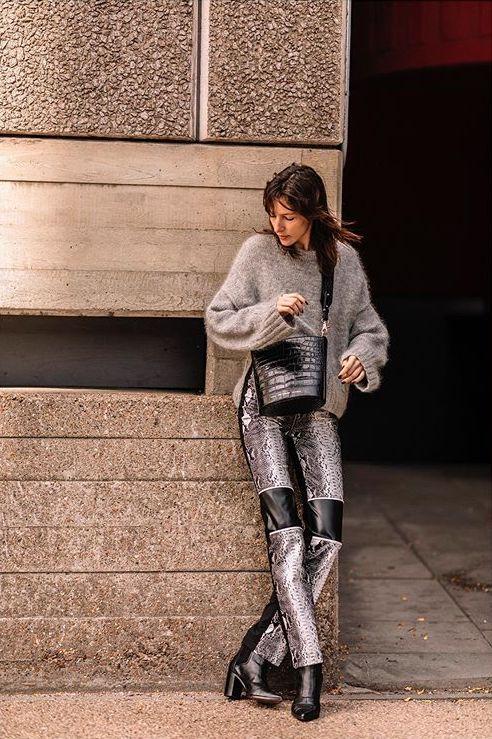 "Milan: <a href=""https://www.instagram.com/asiatypek/""target=""_blank"">Asia Typek</a>"