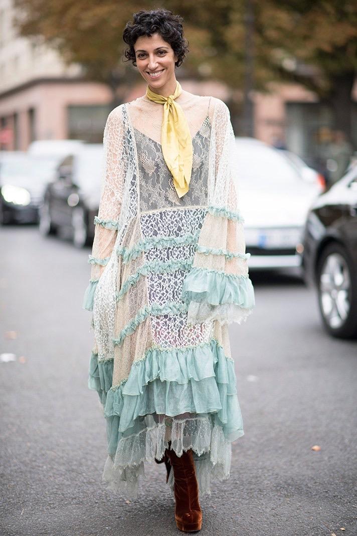 "Paris: <a href=""http://stylecaster.com/"">Style Caster</a>"
