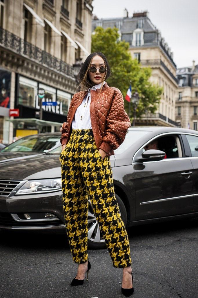 "Paris: <a href=""http://www.glamourmagazine.co.uk/""_blank"">Glamour</a>"