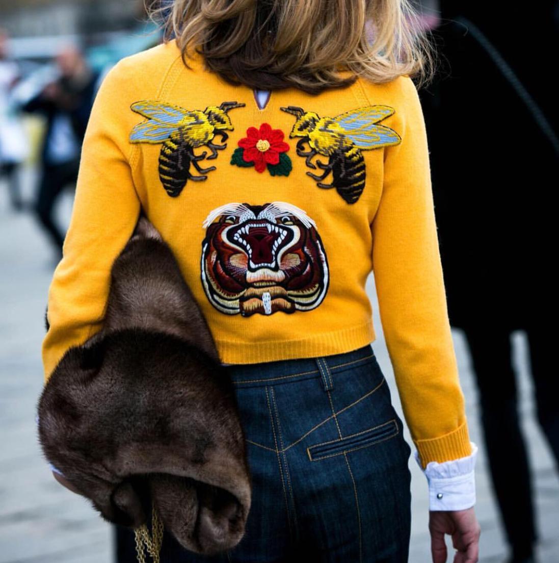 """<a href=""""http://www.instagram.com/voguejapan/"""" target=""""_blank"""">Vogue Japan</a>"""