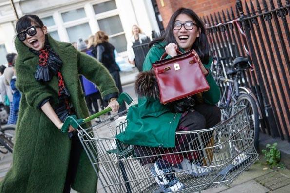 London: www.fashionmagazine.com