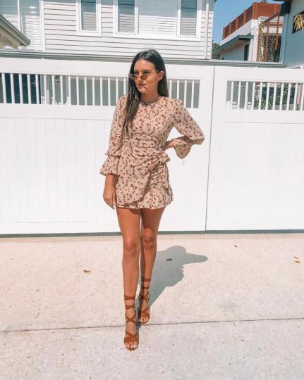 """Noosa: Maddison, Social Media Marketing, """"Summer vibes."""""""