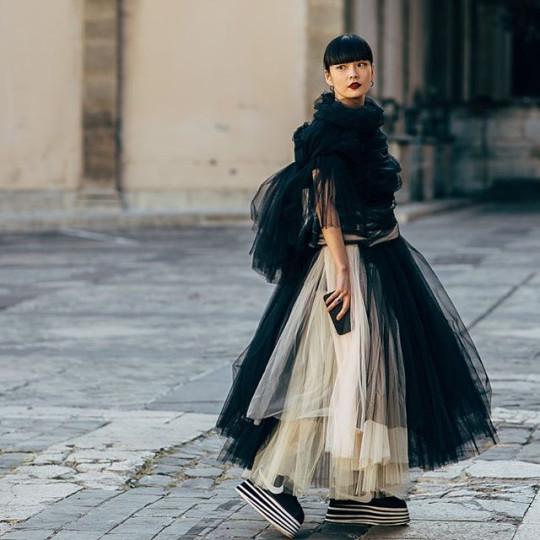 "Paris: <a href=""https://www.instagram.com/styledumonde/""target=""_blank"">@styledumonde</a>"
