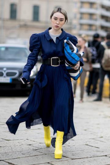 """Milan : <a href=""""http://www.fashionmagazine.com//?hl=en/""""target=""""_blank"""">Fashion Magazine</a>"""