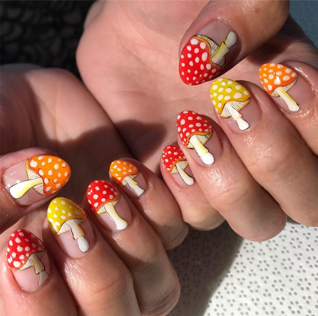 Mushrooms painted on fingernails
