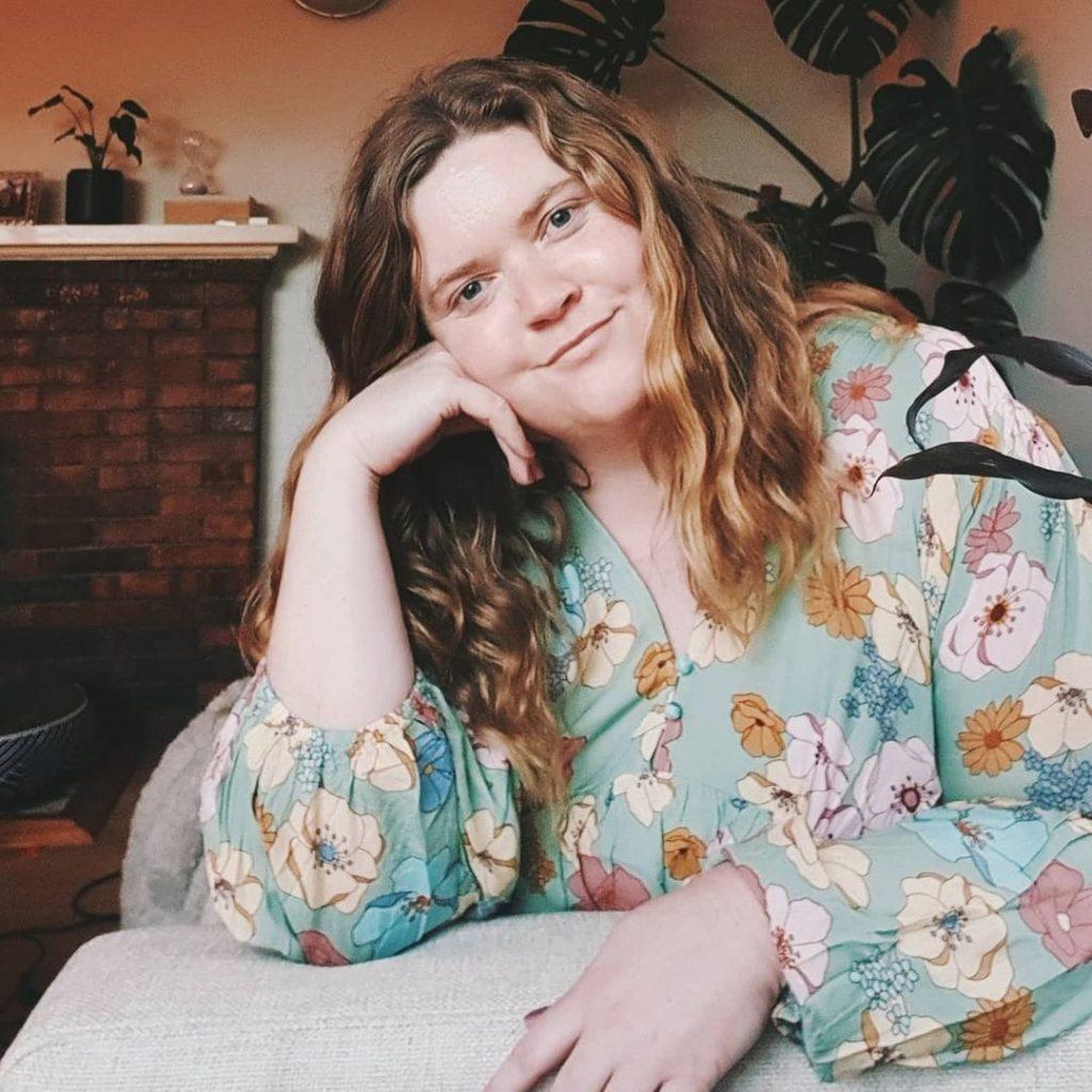 Curvy Fashion Bloggers Ashlee Bennett